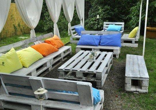 Salons de jardin en palettes! 20 idées! Laissez-vous inspirer...