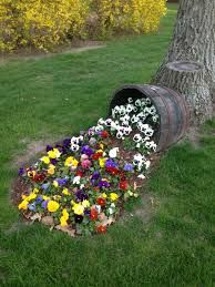 vase original dans le jardin