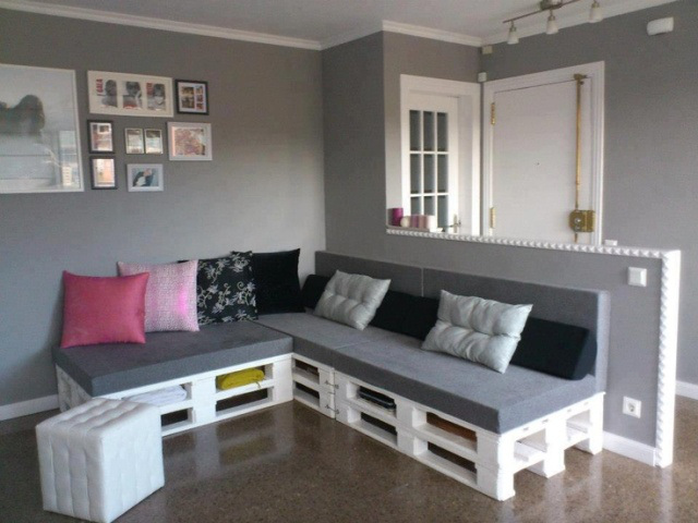 fabriquer un canap en palette 20 id es vid o tutoriel. Black Bedroom Furniture Sets. Home Design Ideas