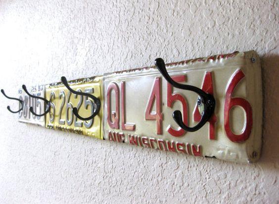 decorazione con vecchie targhe macchine 9