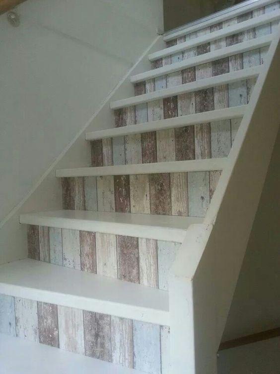 decorazione scale casa 13