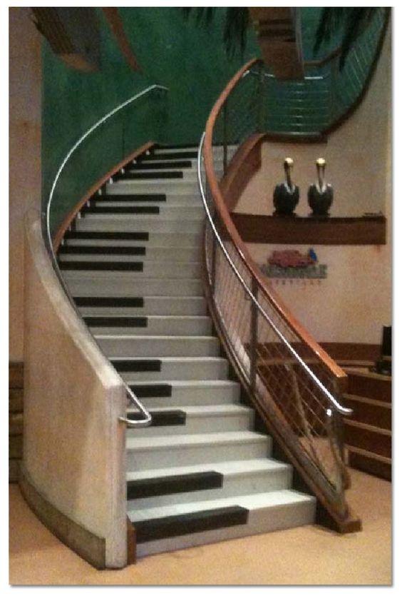decorazione scale casa 6