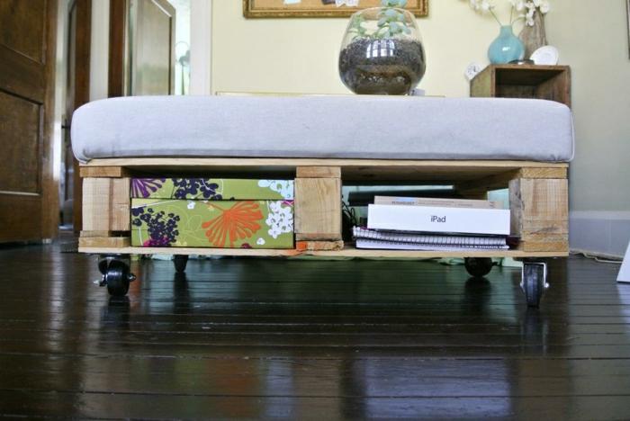peut-faire-une-table-basse-avec-des-palettes-11