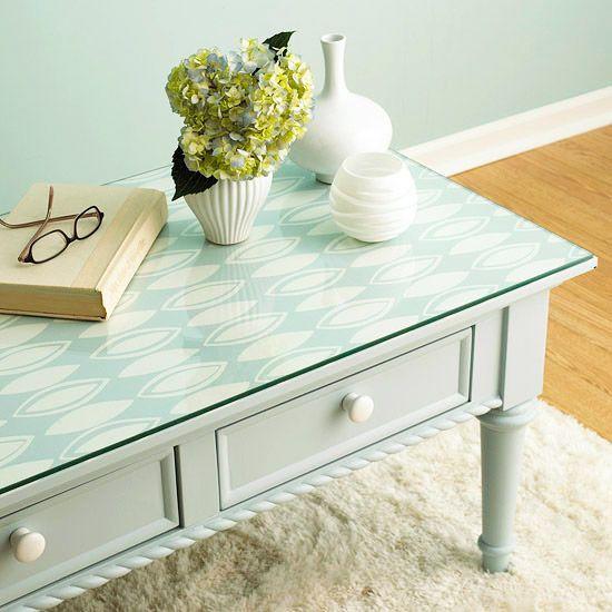 Relooker un meuble avec du papier peint