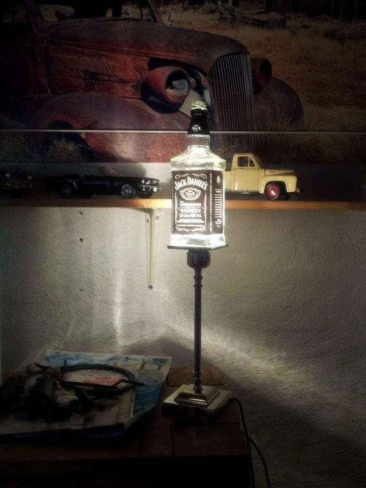 Riciclare bottiglie di Jack Daniel s