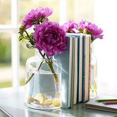 Un vase serre-livres