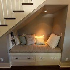 Coin relax sous escalier! 20 idées pour vous inspirer...