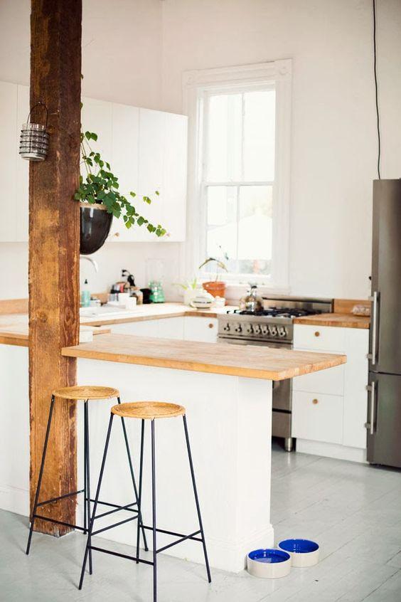 travi legno cucina bianca