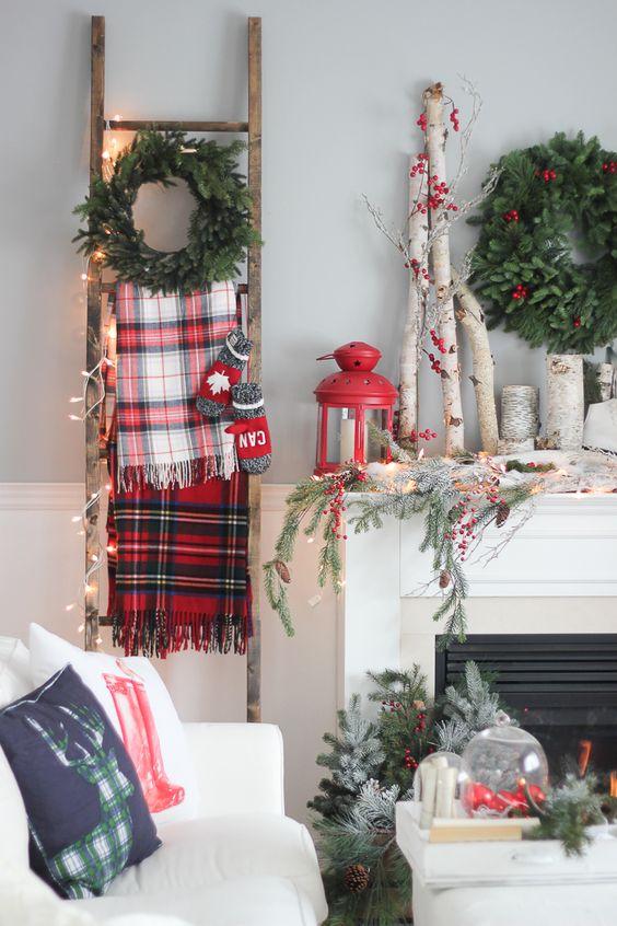 Déco de Noel avec une vieille échelle