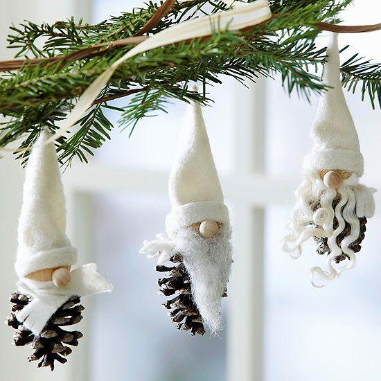 Décorations de Noel avec les pommes de pin