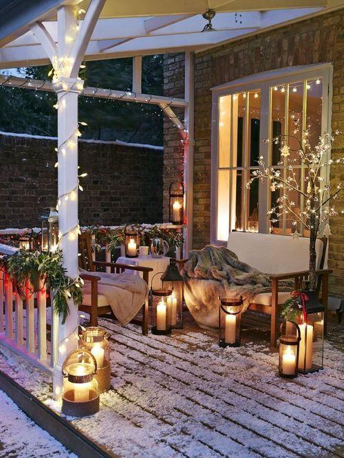 D corer le balcon pour noel 20 id es pour vous inspirer - Decorer sa maison pour noel ...