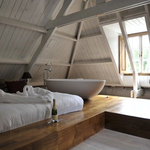 A bathtub in the bedroom! 26 beautiful examples... on bedroom getting dressed, bedroom living room, bedroom in the window, bedroom in my home, bedroom in the attic, bedroom christmas, bedroom in the garden, bedroom in dining room, bedroom in the library, bedroom in water, bedroom in garage, bedroom in toilet, bedroom in colors, bedroom in closet, bedroom in basement, bedroom on the beach,
