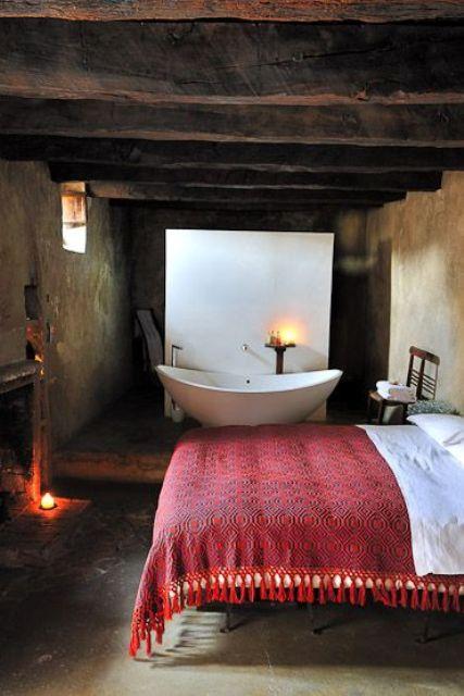 Une baignoire dans la chambre