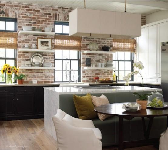 Une cuisine avec pierres apparentes