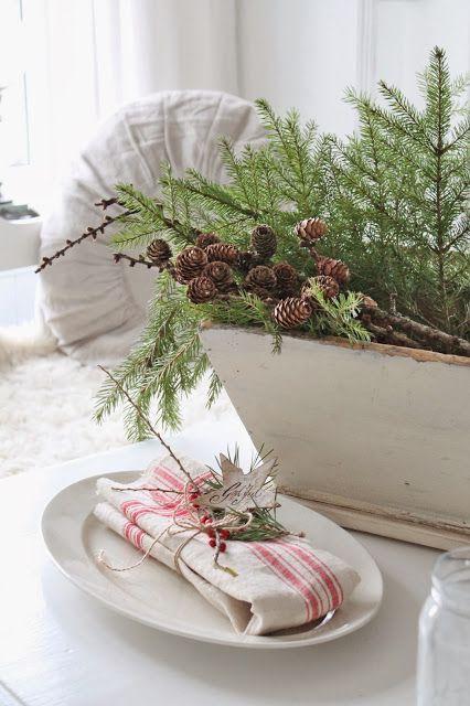 decorazione con ramo di pino 16