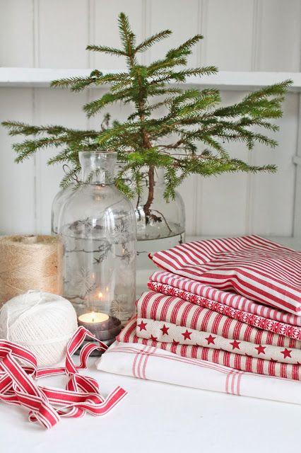 decorazione con ramo di pino 17