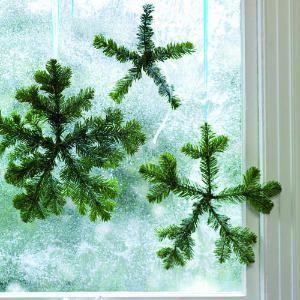 decorazione con ramo di pino 22