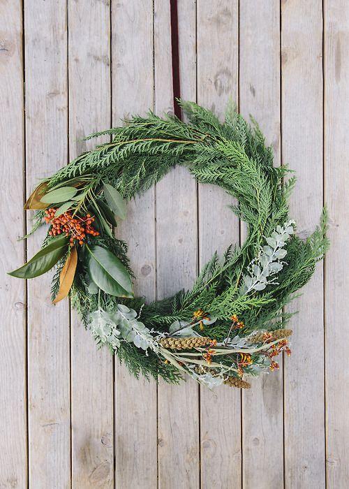decorazione con ramo di pino 7