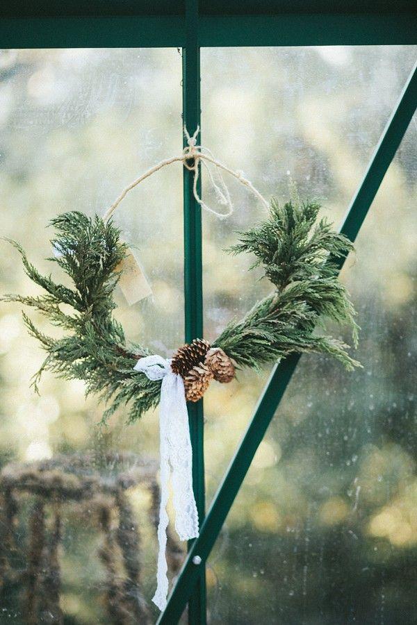 decorazione con ramo di pino 8
