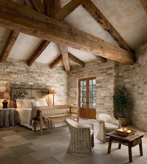Chambres avec poutres apparentes en bois