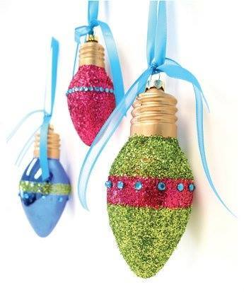 boules de Noel avec des vieilles ampoules