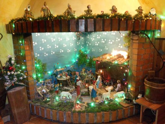 la crèche de Noel dans la cheminée
