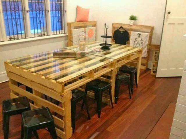 Des meubles originaux en bois de palette 20 id es for Meuble de salle a manger en palette