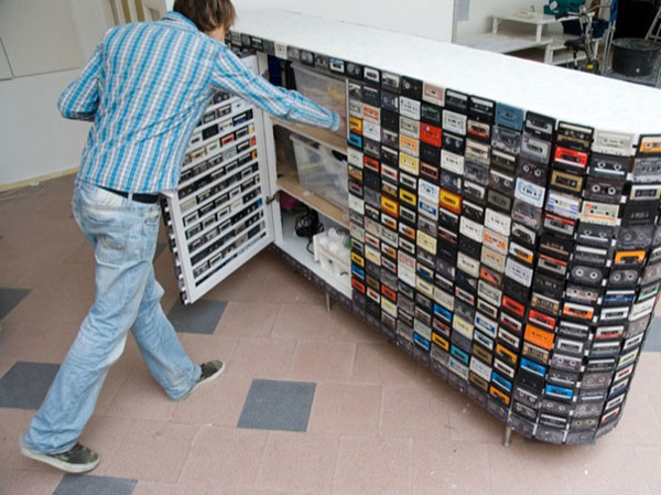 recyclage cr atif des cassettes audio 15 id es inspirantes. Black Bedroom Furniture Sets. Home Design Ideas