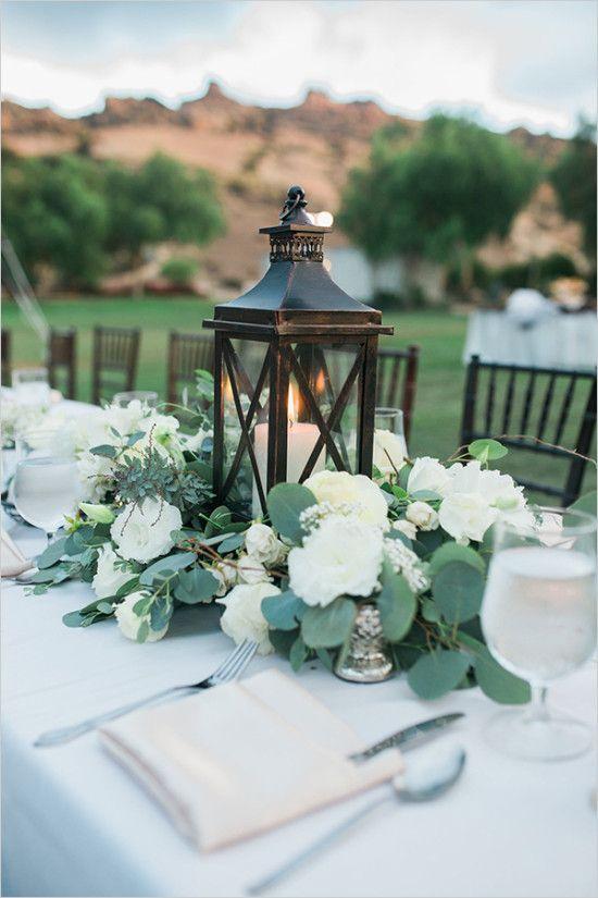 Centre de table avec fleurs pour mariage voici 20 d co for Composition florale pour table