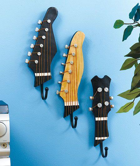 Décorer avec la vieille guitare