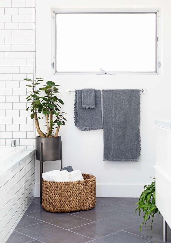 idee decorazione bagno con piante 14