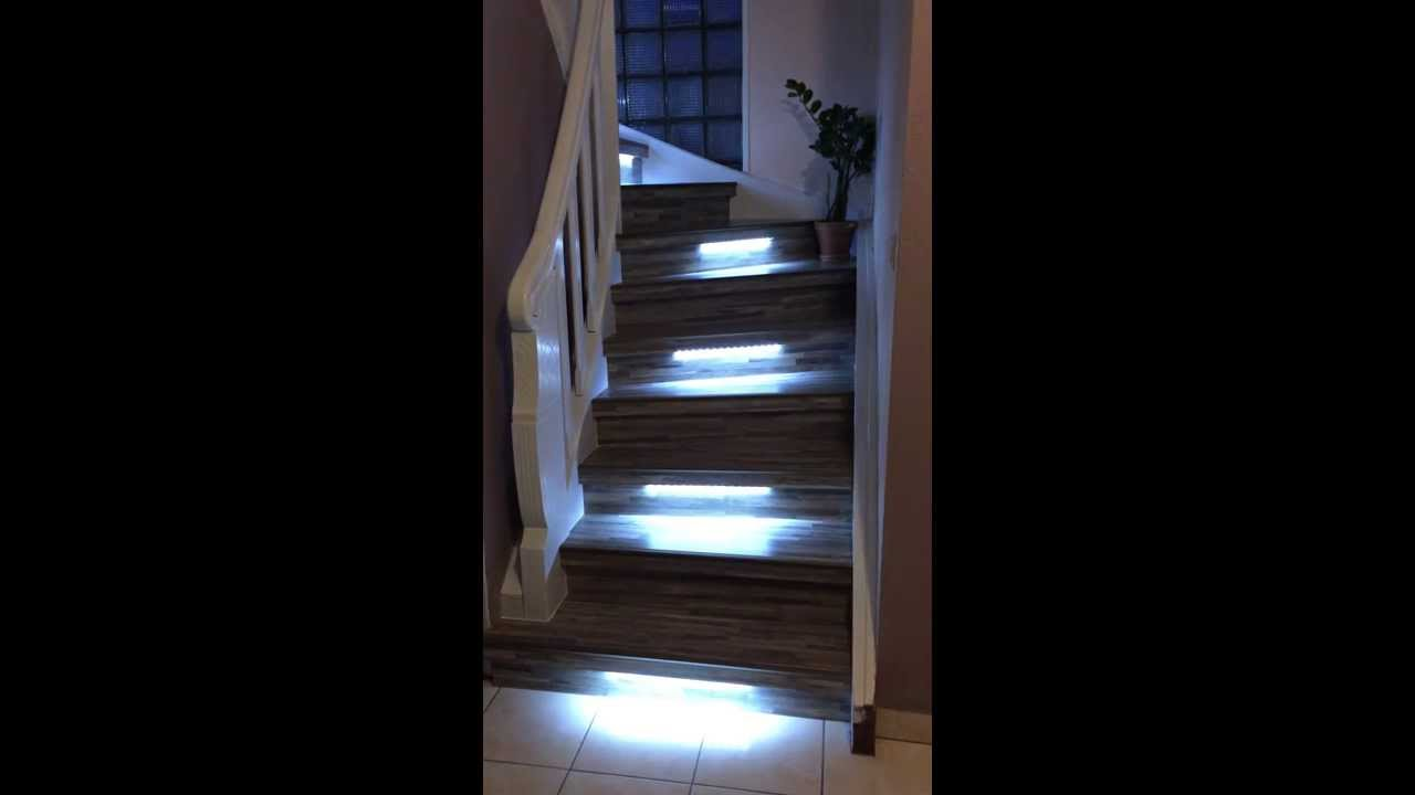 led escalier escalier ego avec paroi et led incrustes. Black Bedroom Furniture Sets. Home Design Ideas