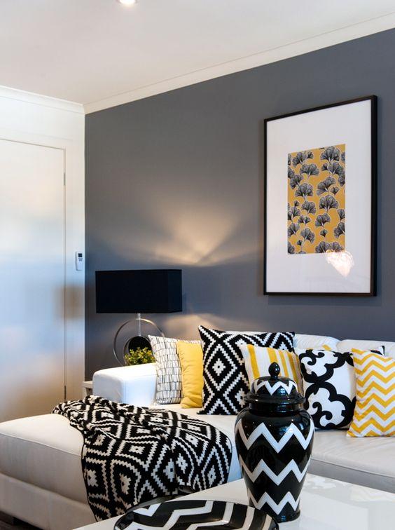 idee salone in nero e giallo 11