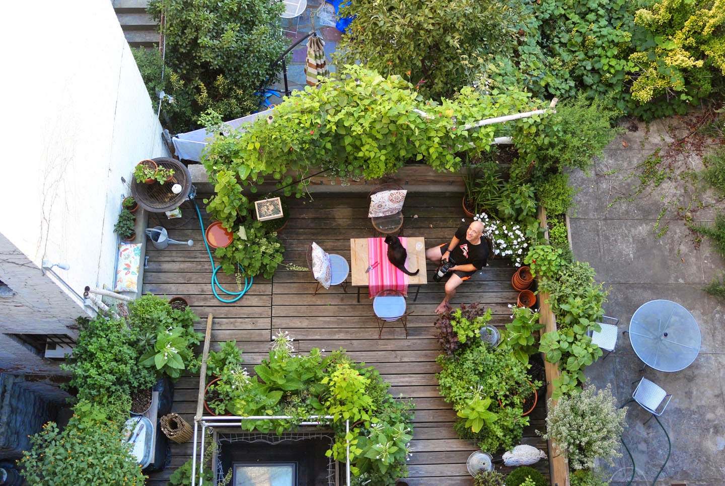 Am nager un petit potager sur son balcon 20 id es for Balcon in english