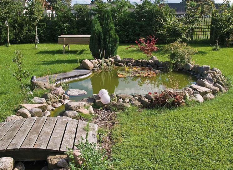 Creare una piccola oasi nel vostro giardino idea n with for Anfora giardino