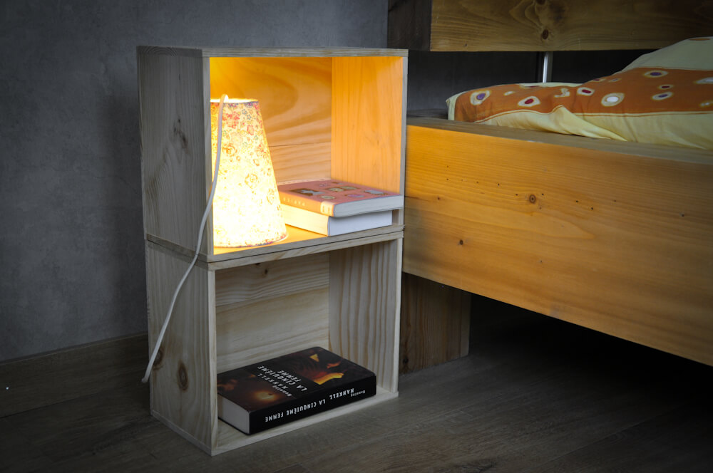 cr er une lampe avec une caisse en bois 17 id es inspirantes. Black Bedroom Furniture Sets. Home Design Ideas