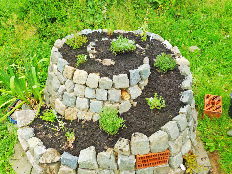Une rocaille originale en spirale! 20 idées inspirantes (VIDEO)