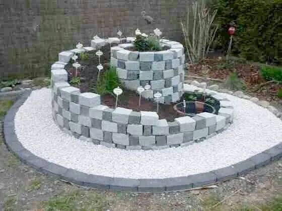 Une rocaille originale en spirale