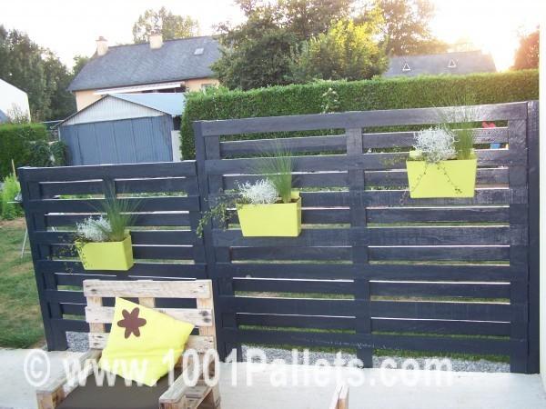 Construire une cloture en bois de palette 20 exemples inspirants video - Fabriquer une barriere en bois ...