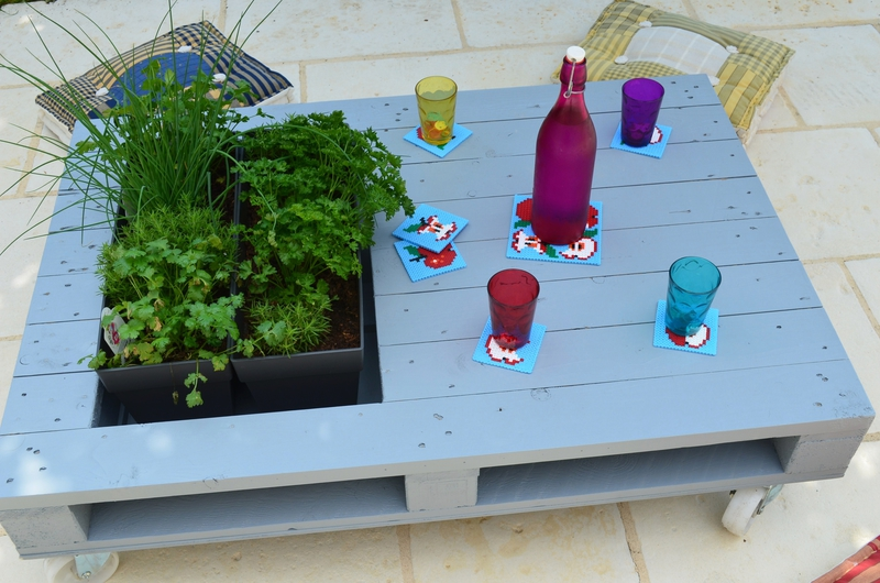 Réaliser une table basse avec jardinière