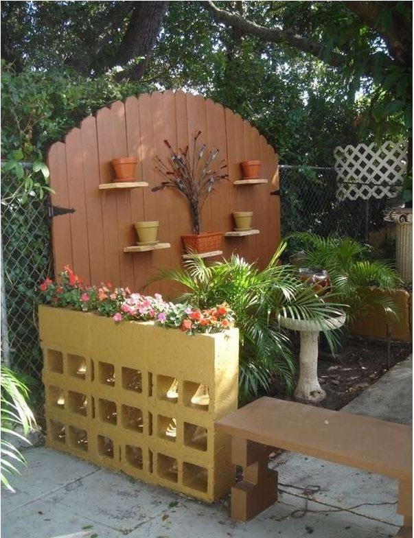 D corer son jardin avec des parpaings 20 id es pour vous for Decorer son appartement pas cher