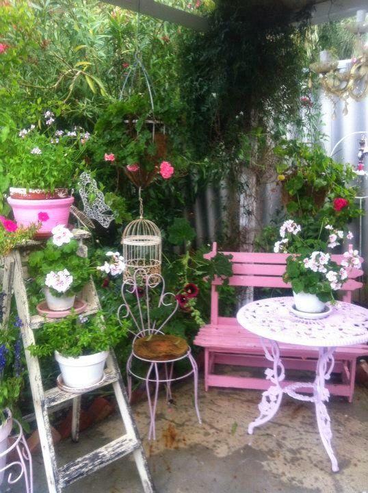 d corer le jardin en style shabby chic 20 id es pour vous inspirer. Black Bedroom Furniture Sets. Home Design Ideas