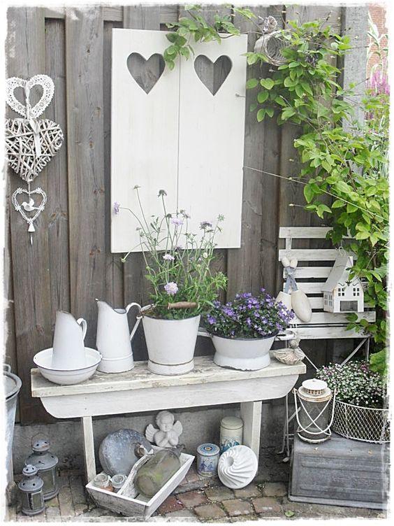 D corer le jardin en style shabby chic 20 id es pour vous inspirer - Deco en de tuin ...