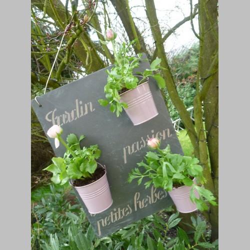 Creare un angolo erbe aromatiche originale