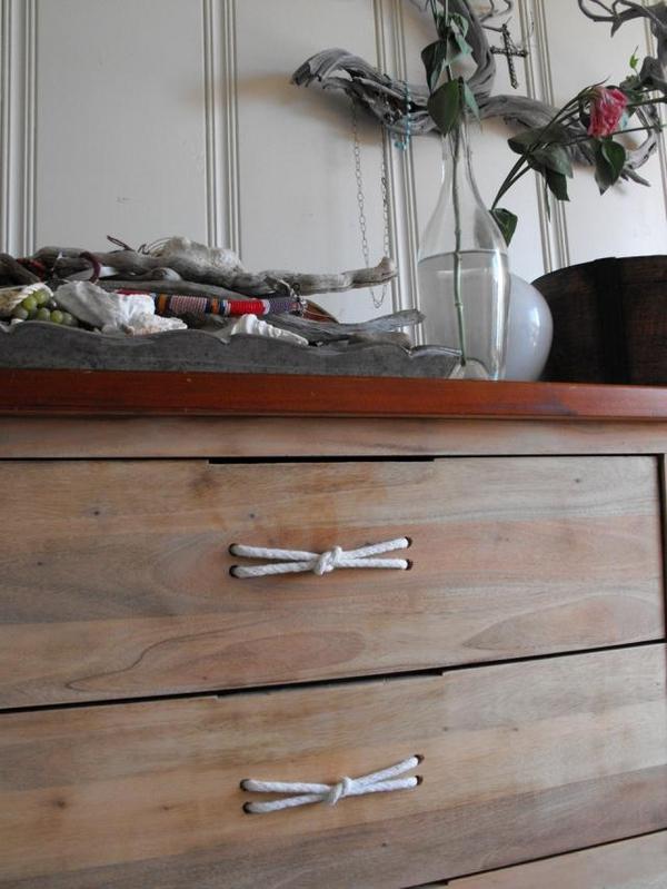 diy customiser ses poign es de meuble 20 id es inspirantes. Black Bedroom Furniture Sets. Home Design Ideas