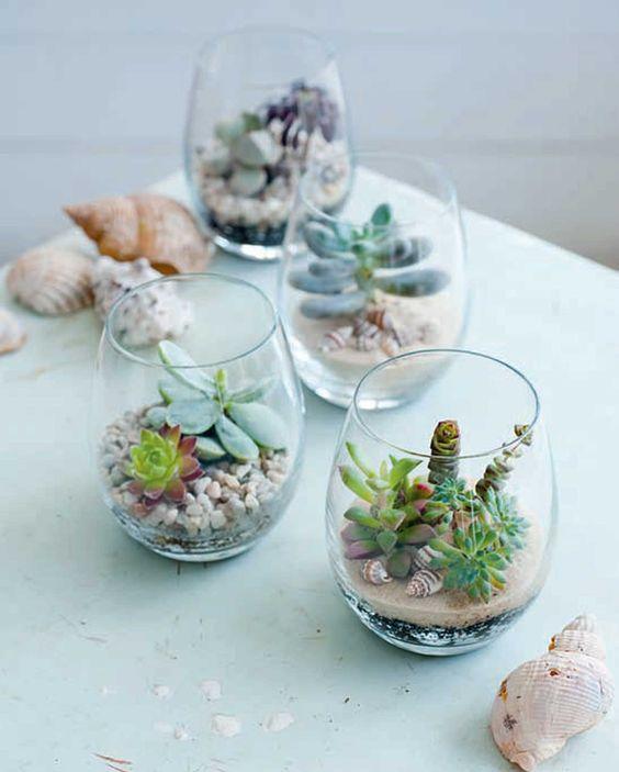 Petits pots créatifs avec des succulentes