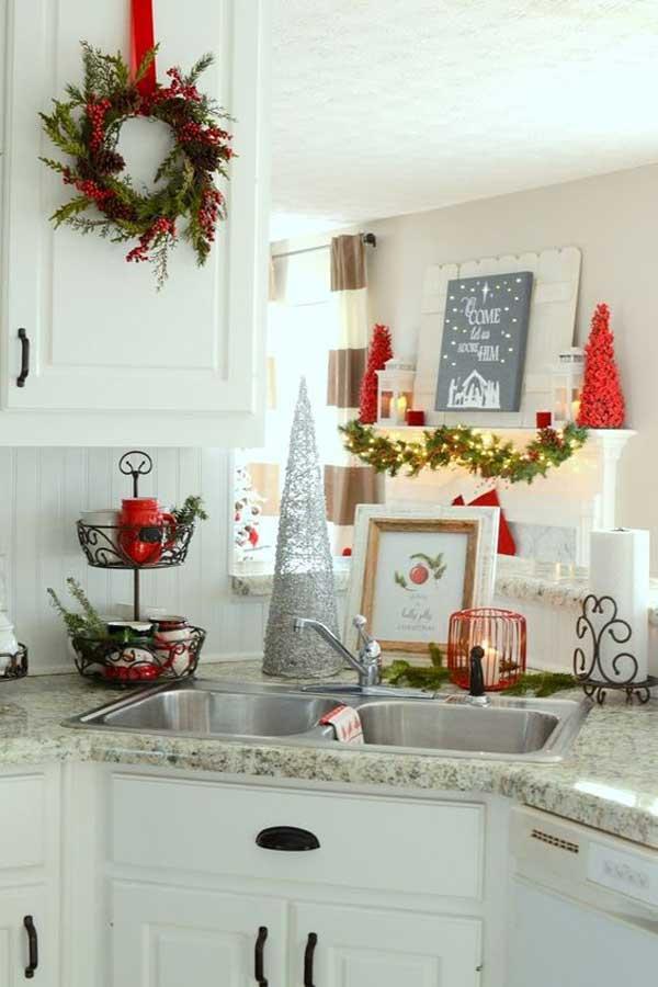 D corer sa cuisine pour noel voici 20 id es inspirez vous - Decorare finestre per natale ...