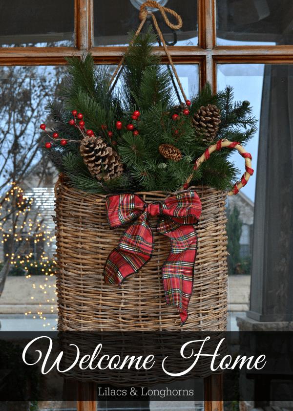 Abbellire casa con un cesto a Natale