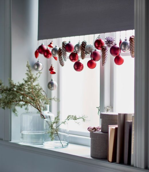 Decorare le finestre per Natale