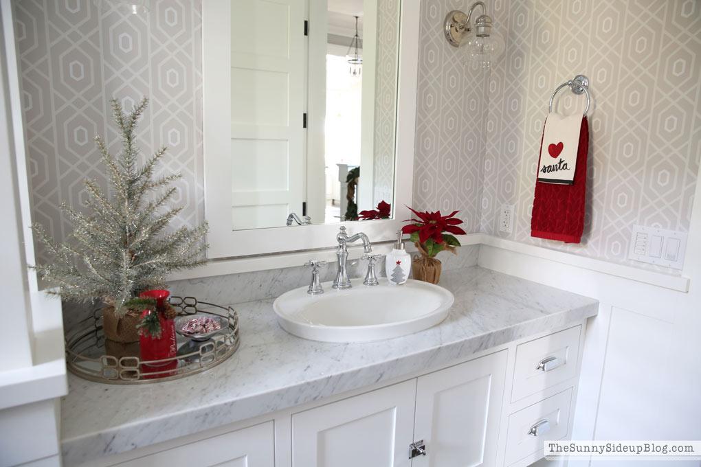 Decorare il bagno per Natale